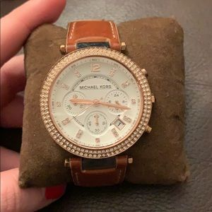 Michael Kors • Watch with Leather Band
